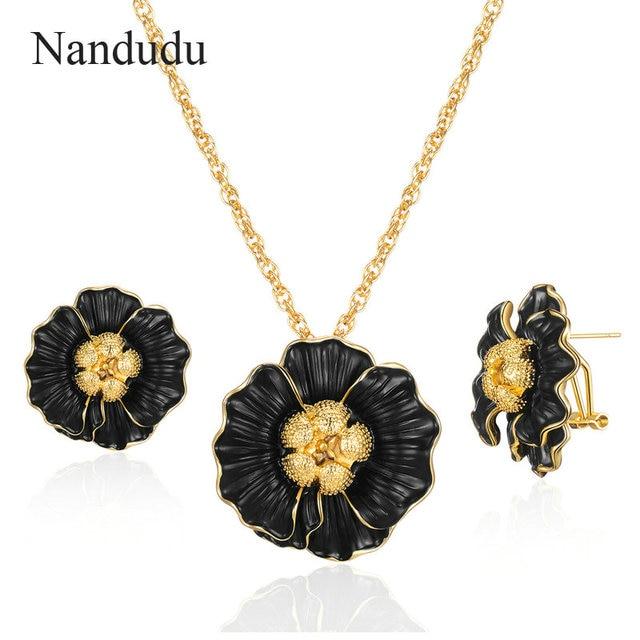 Nandudu Gold Chain Black...
