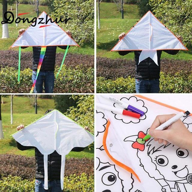 Enfants en plein air bricolage Graffiti cerf-volant dessin couleur rempli Triangle cerf-volant enfants éducation peinture volant cerf-volant avec poignée et ligne