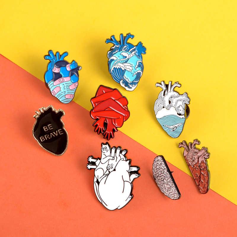 Creativo Cuore Spilli Oceano Nero brave Heart Smalto Spille Distintivi e Simboli Fasciatura A Mano gatto Risvolto Spilli Spille per le donne degli uomini di Anatomia gioielli