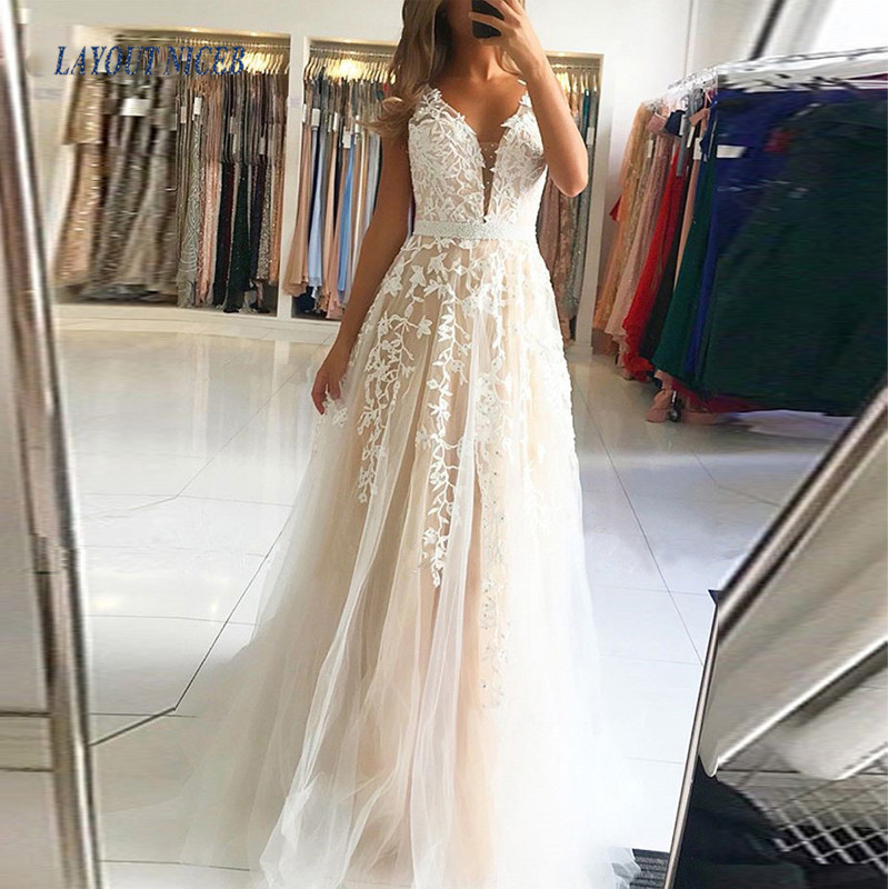 LAYOUT NICEB Long Prom Dresses 2020 A-Line V-Neck Appliques Elegant Formal Evening Party Gowns Sexy Backless Robe De Soiree