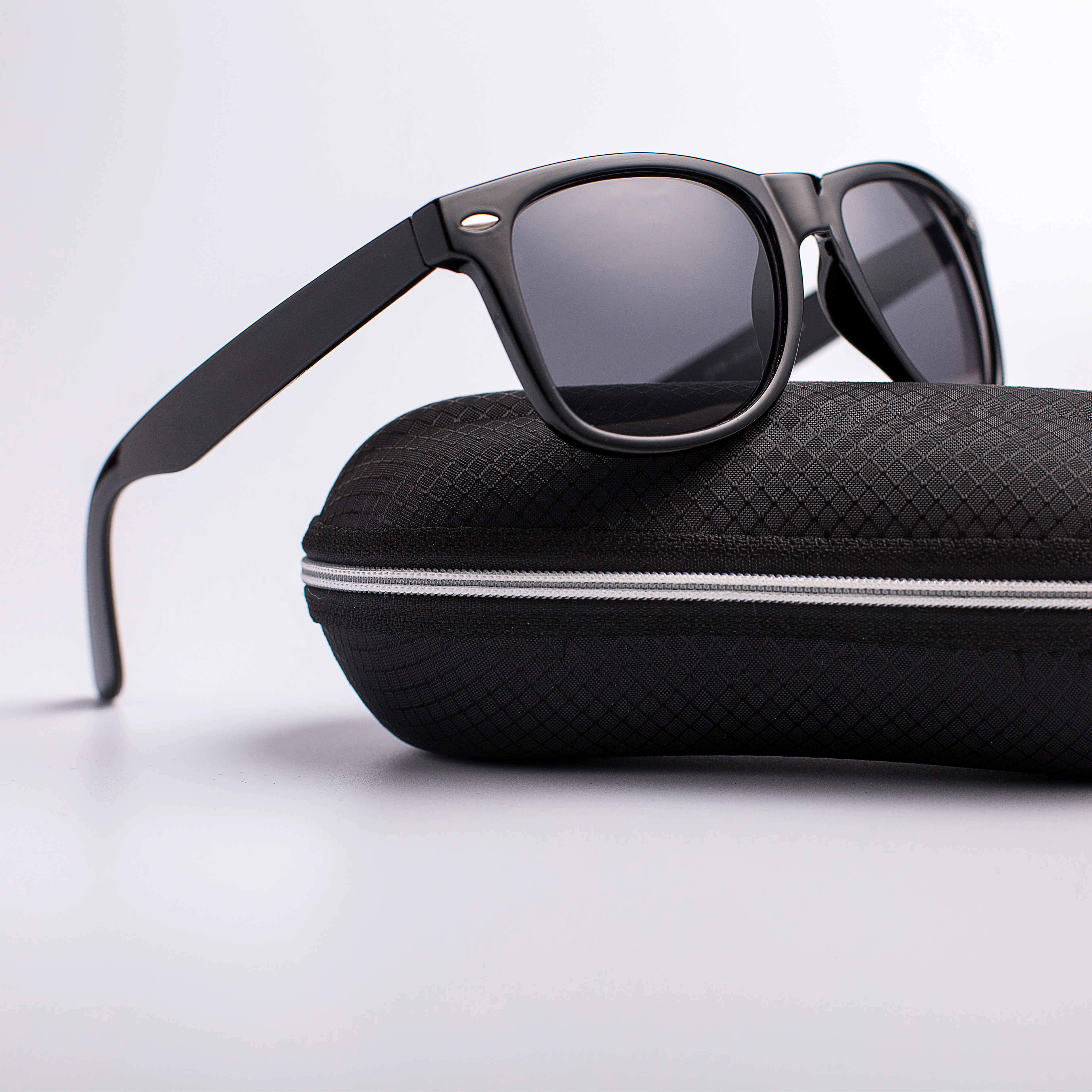 Vintage Polarized Sunglasses Men Women Brand Designer Driver Shades Male Sun Glasses Women Men Spuare Mirror Summer UV400 Oculos