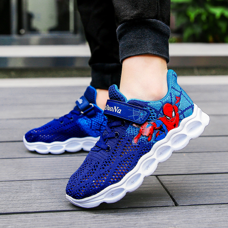 2019 Autumn Kids Led Shoes Spiderman Glowing Sneakers Boys Shoes Fiber Optic Casual Shoes Led Light Up Shoes Big Girl Sneakers