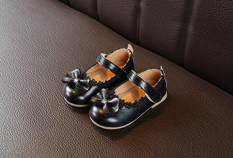 couro flores sapatos para meninas do bebê