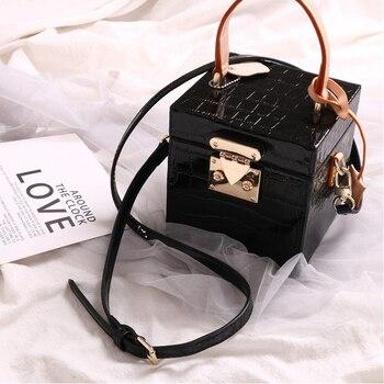 2020 Leather Retro Small Box Bag Stylish Hand-held Slanted Female Tide Bucket Bag