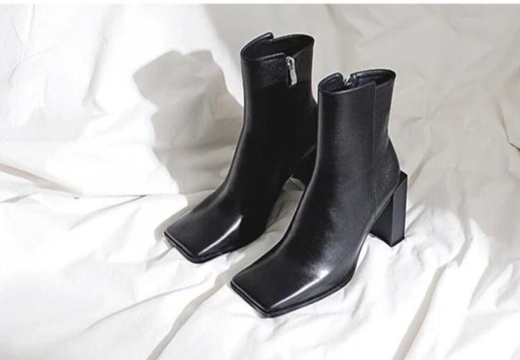 2020 г., осенне зимняя обувь в западном стиле, в стиле панк, на необычном высоком каблуке, из черной кожи, с квадратным носком, для зрелых женщин, женские ботильоны в ковбойском стиле