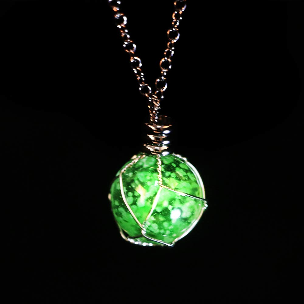 Creative Luminous Crystal Ball Chic Glow In The Dark Necklace Green/Blue Color Chain Gift Choker collares de moda 2019