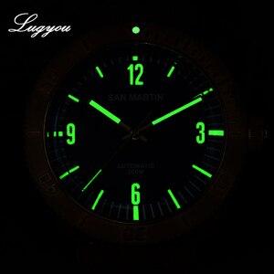 Image 5 - Lugyou San Martin bronz Diver İzle otomatik dönen çerçeve 200m su geçirmez safir kubbeli kristal hakiki deri kayış
