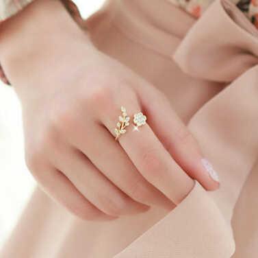 ใหม่แหวนแฟชั่น Twisted แหวน Rhinestone ใบเปิดแหวนผู้หญิงอุปกรณ์เสริมแหวนทองแหวนขายส่ง