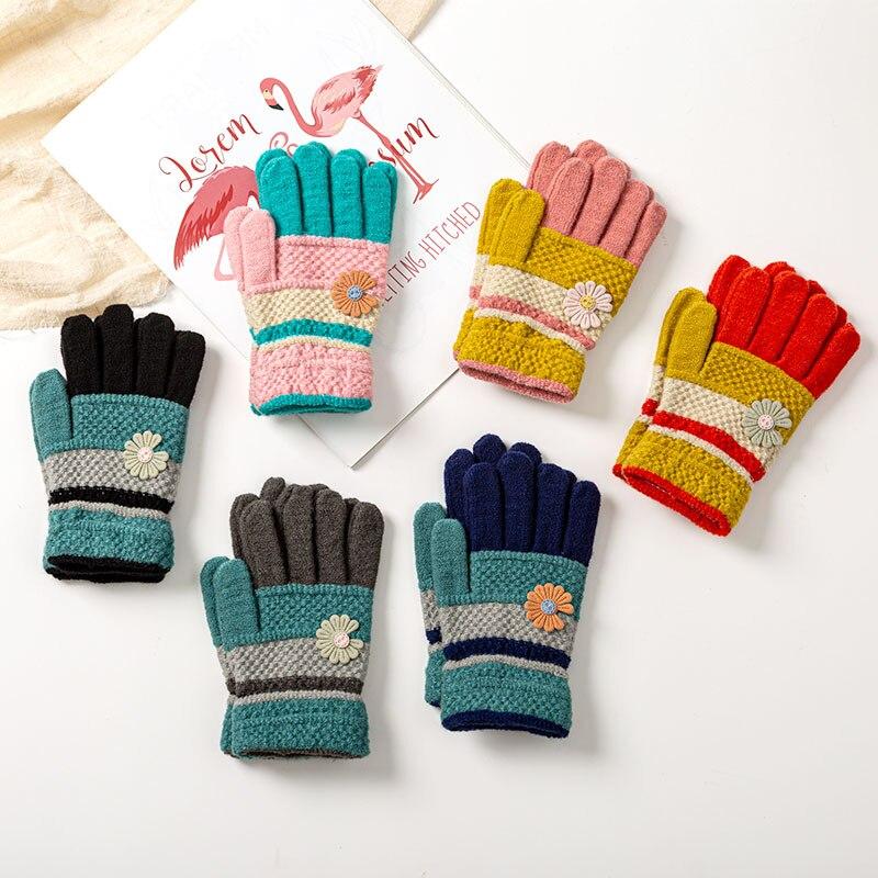 Зимние вязаные детские перчатки 4-10 лет, модные детские перчатки с цветами для девочек, теплые уличные детские варежки для маленьких мальчик...
