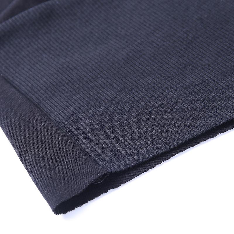 Женская трикотажная футболка с v образным вырезом в офисном
