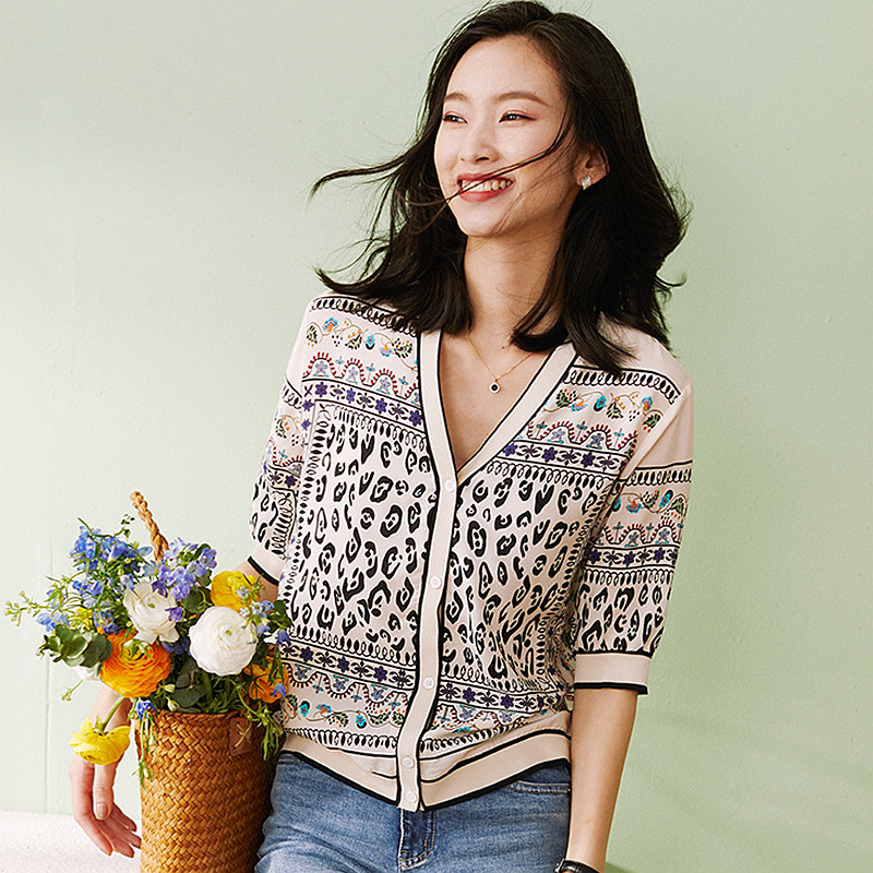 100% Silk Cardigan Women Open Stitch Patch Knitted Printed V Neck Silk Half Sleeve Casual Style Classic Design New Fashion
