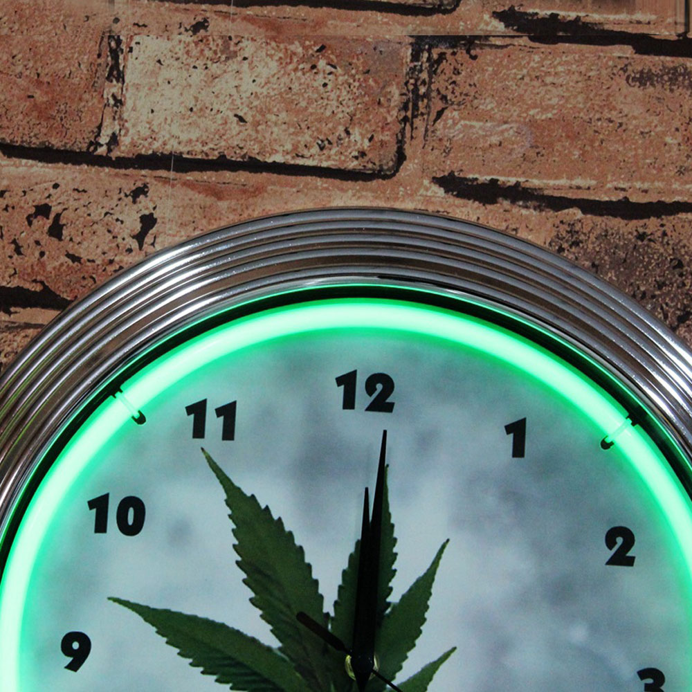 Fabricated Bright Clock Signs Personalized Timepiece Signs With Green Neon Lights Mounted On The Wall Fordecoration