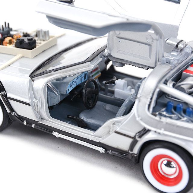Welly 1:24 DMC-12 DeLorean Time Machine Back to the Future Car Static Die Cast Vehicles Collectible Model Car Toys 5
