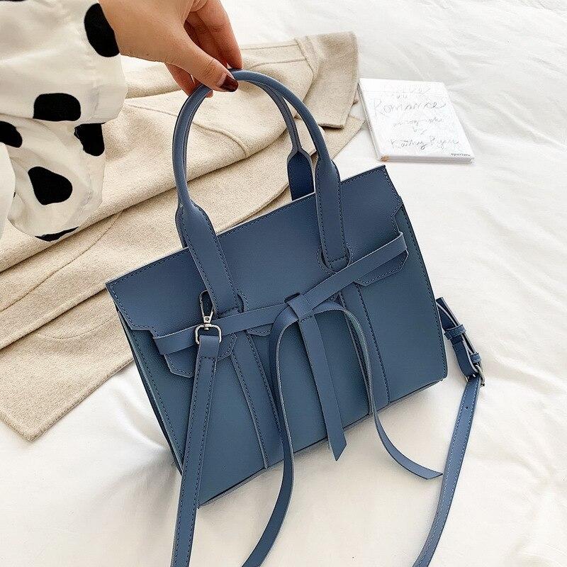 2019 Korean version of the new wild texture large capacity commuter handbag female simple wild shoulder Messenger bag