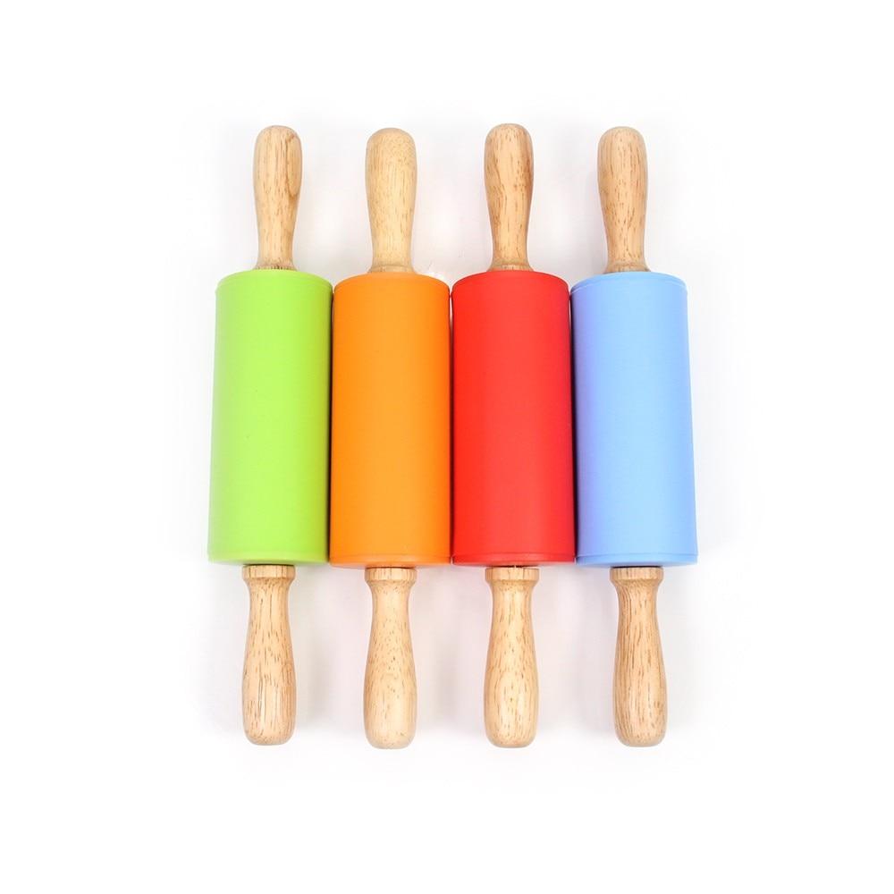 Pinul de laminare din silicon pentru copii, suprafața antiaderentă și mânere confortabile din lemn pentru coacere