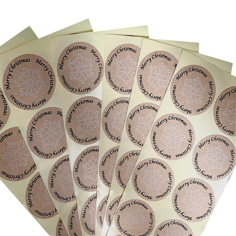 100pcs/lot Merry Christmas Round Snowflakes Kraft Paper Sealing Day Decorative Sticker Craft Scrapbooking Material
