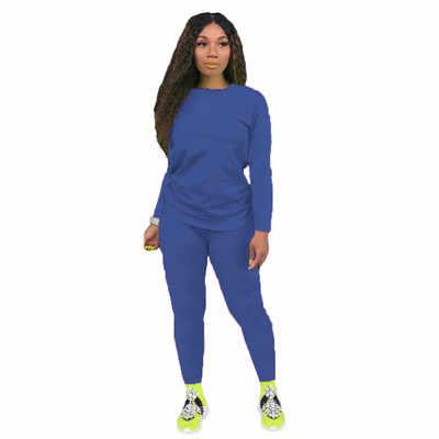 Zwei-piece Solid Farbe frauen Kleidung. Kurzen ärmeln Crew Neck T-shirt und Eng anliegende Shorts. Einfache Stil Trainingsanzug Outfit
