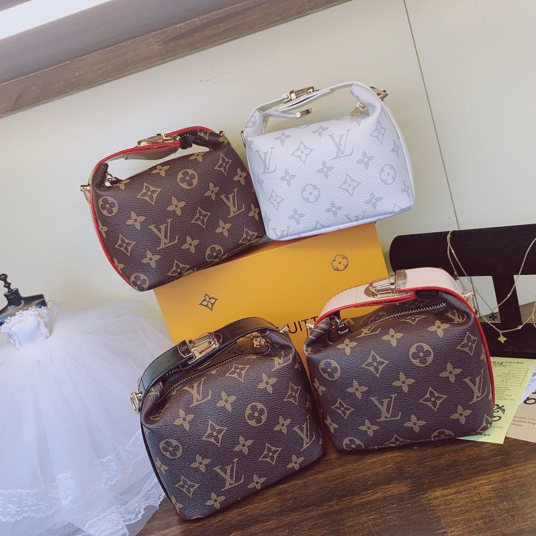 2020 New European And American Style Fashionable Leisure Bag 4448