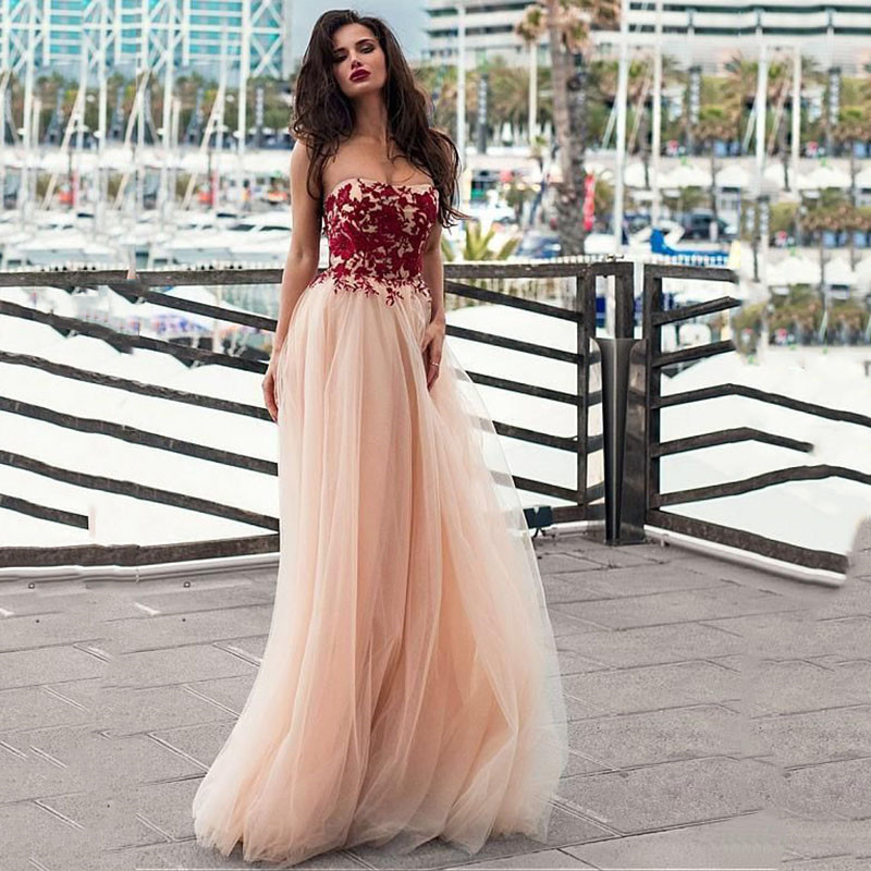 Sweetheart Lace Appliques Tulle A-Line Wedding Dresses Beach Sweep Train Long Women Bridal Gowns Spring Simple Vestidos