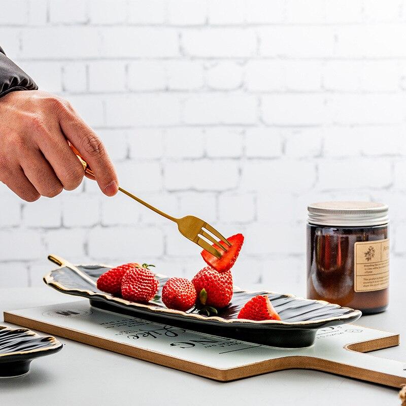 Набор керамических тарелок с золотым покрытием, модный дизайн с перьями, поднос для ювелирных изделий, столовые принадлежности, тарелка для фруктов приглушенной плотности, кухонная посуда-2