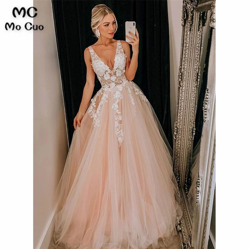 A-Line Champagne Prom Dresses Long With Appliques Sleeveless V-Neck Tulle Dress For Graduation Formal Evening Prom Dress