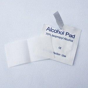 Image 4 - 100Pcs Alcohol Pad Nat Vegen Wegwerp Desinfectie Wattenstaafje Pad Antiseptische Huid Reinigen Zorg Outdoor Survival Apparatuur