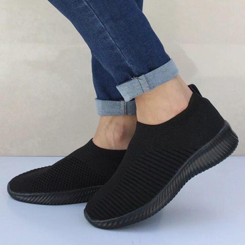 Women Sneakers New Women Vulcanize Shoes Knitting Women Shoes Comfort Women Flats Loafers Female Tenis Feminino Plus Size 43