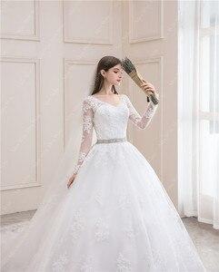 Image 4 - ウェディングドレス 2020 フルスリーブセクシーな v ネック掃引列車のボール王女の高級レース vestido デ noiva ウェディングドレスプラスサイズ