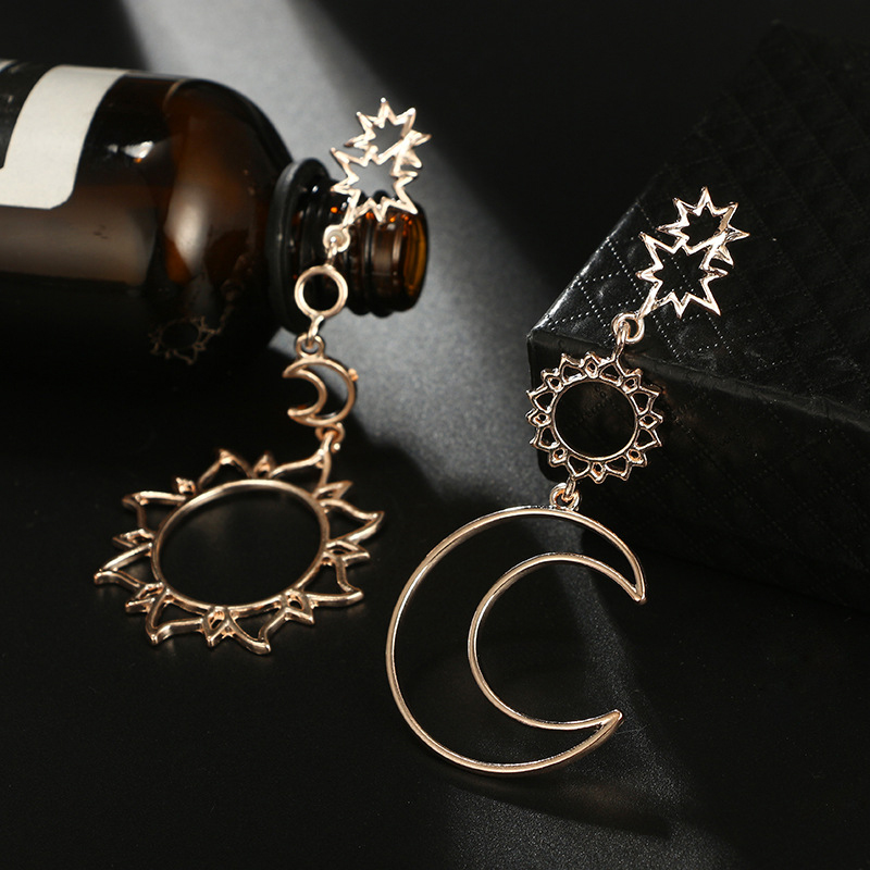 2020 NEW Arrival Fashion Women Girls Dangle Long Earring Hollow Out Star Moon Sun Asymmetry Drop Earrings Charm Jewelry Earring