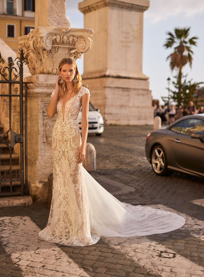 Sexy New Long Wedding Dress 2021 Cap Sleeve Court Train Lace Backless Bridal Gowns Vestido de noiva sereia boda