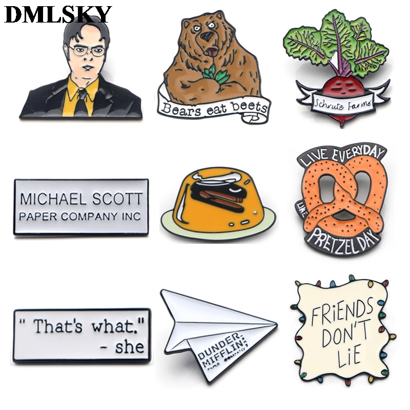 DMLSKY, pines de Metal para la Oficina y el show de tv, juego de rol, con broche esmaltado para mujer, broche de solapa para hombres, insignias para mochila, Pin de tela vaquera, M4087