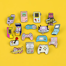 Retro Arcade Spiel Emaille Pins Sammlungen Cartoon 90s Gamepad Schmuck Broschen Denim Hemd Kragen Abzeichen Revers Freunde Geschenke