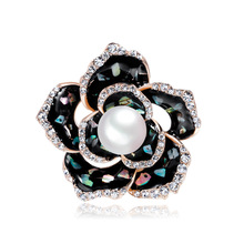 Korean version of retro alloy shell drop brooch imitation Pearl flower pin factory outlet