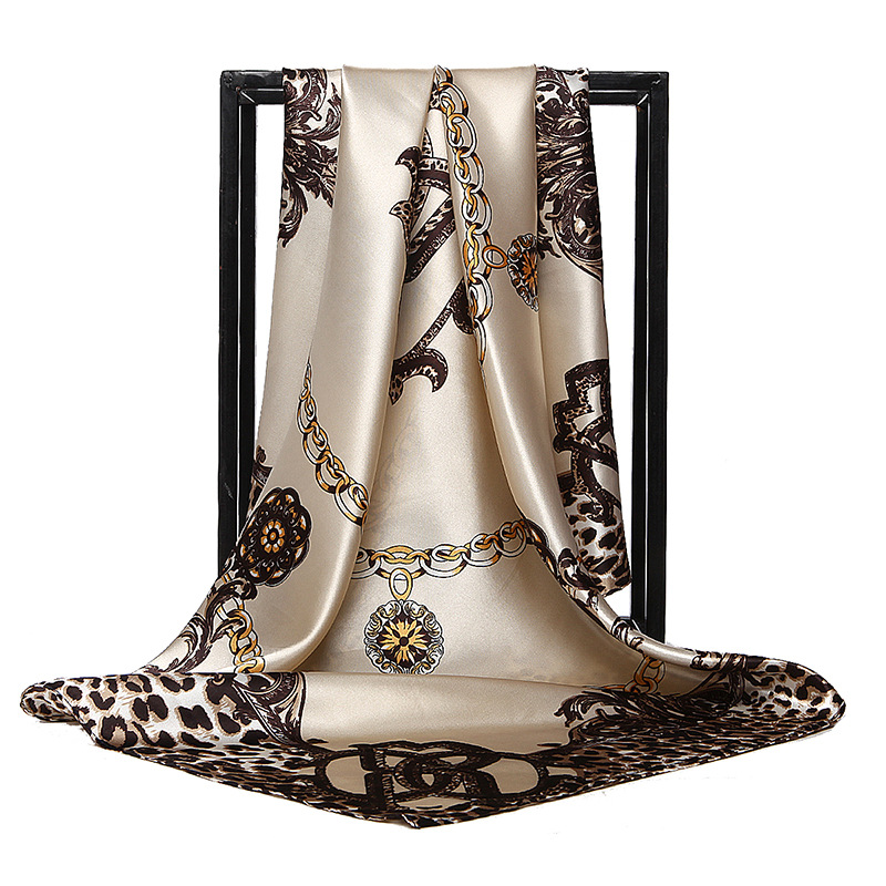 New Retro Ladies Silk Scarf Bandana Fashion Women Printed Hijab Shawls Leopard Chain Pattern Large Square Scarves Warp 90*90cm