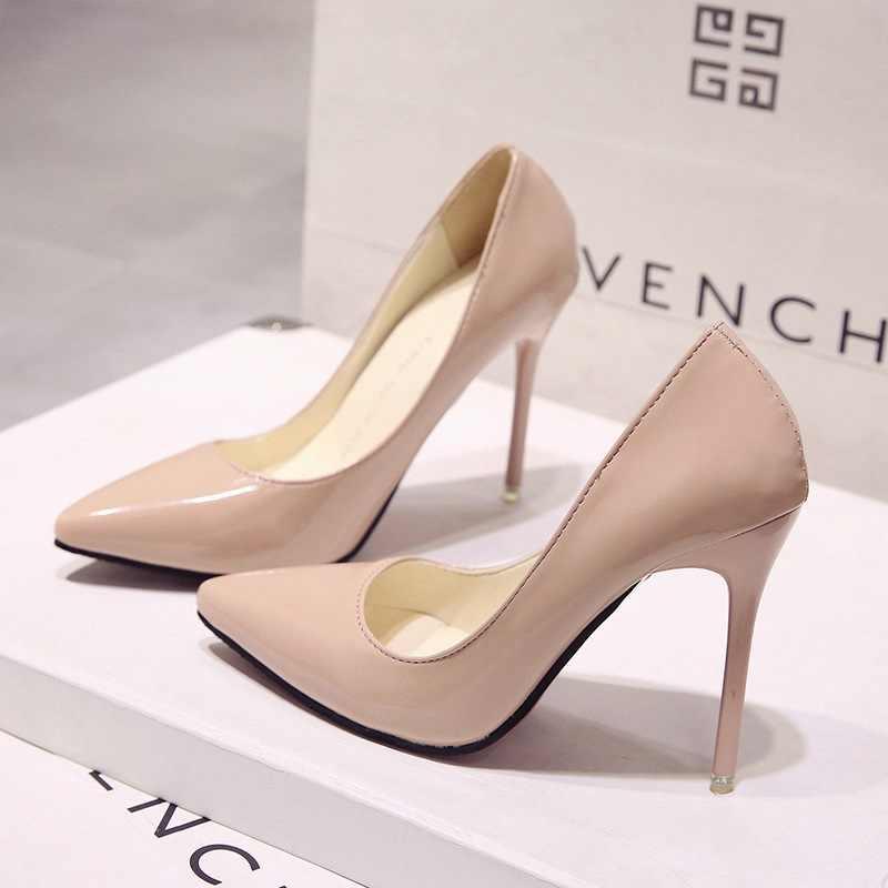حجم كبير 34-44 أحذية نسائية ساخنة وأشار حذاء مزود بفتحة للأصابع براءات الاختراع والجلود فستان عالية الكعب أحذية الزفاف امرأة أحمر النبيذ الأحمر