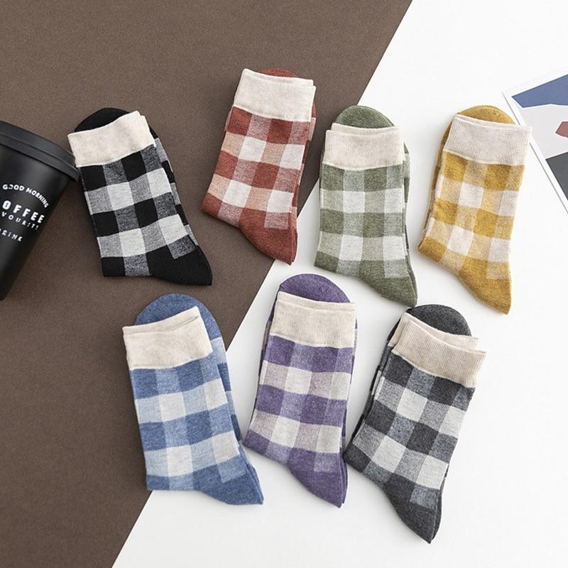 HSS Marke 5Pairs Plaid Rohr Mode Frauen Socken Striped Beiläufige Baumwolle Atmungsaktiv Komfortable damen mädchen lange Röhre Socken