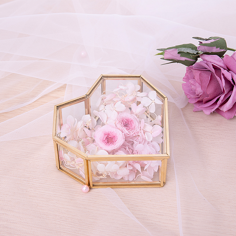 Vintage Heart-shaped Metal Glass Gift Box Transparent Boite Dragees De Mariage Christmas Heart-shaped Ring Box With Cover