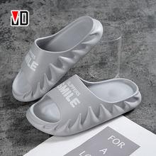 Hommes pantoufles flamme Couples été diapositives pour salle de douche intérieur extérieur plage chaussures imperméable sourire léger antidérapant silencieux