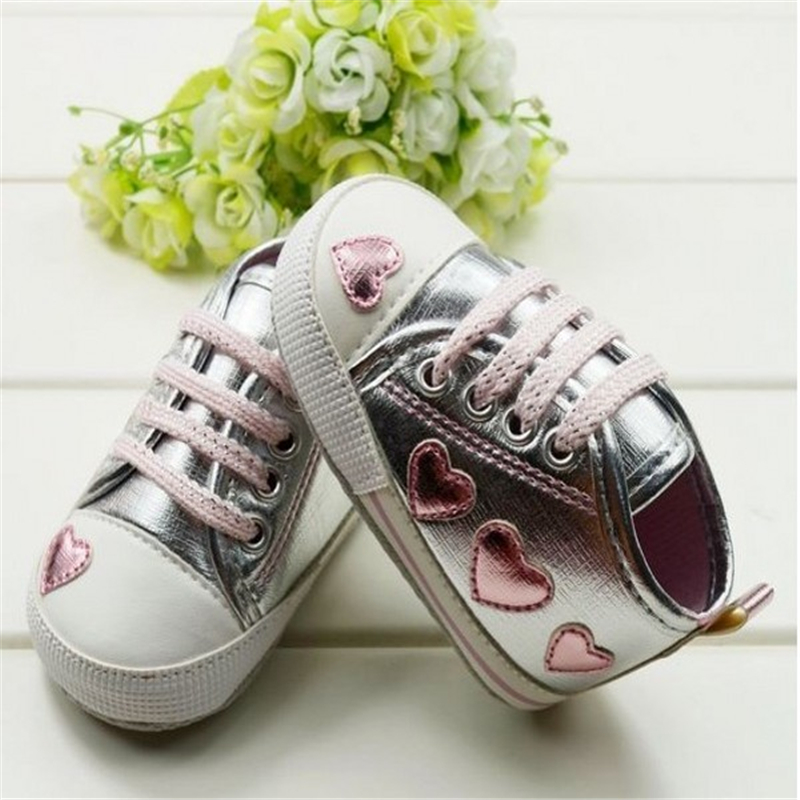 Fashion Cute Kid Toddler Baby Girl Silver Crib Heart Soft Shoes Walking Sneaker 0-18 M