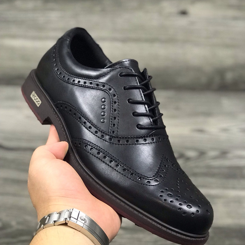 New Professional Golf Shoes Men Spikless Golf Sneakes Outdoor Anti Slip Walking Shoes High Quality Athletic Footwears Male
