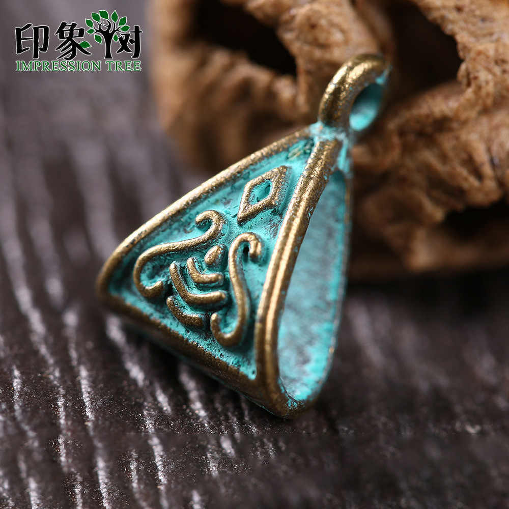 1Pcs 10*15mm alloy verdigris patina plated triangle vintage tear drop shape charms accessories for diy jewelry finding 27047