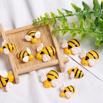 5 sztuk żywica sztuczne pszczoły Mini symulowane Bee Slime wisiorki dzieci zabawki glina DIY ozdoba do włosów rzemiosło obudowa na telefon akcesoria