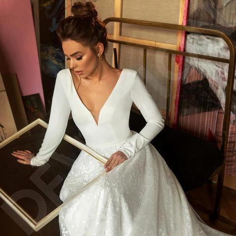 Robe de mariee Vintage Long Sleeve Lace Satin Wedding Dress Sexy Deep V Neck Backless Bride Dress for Wedding Islamabad