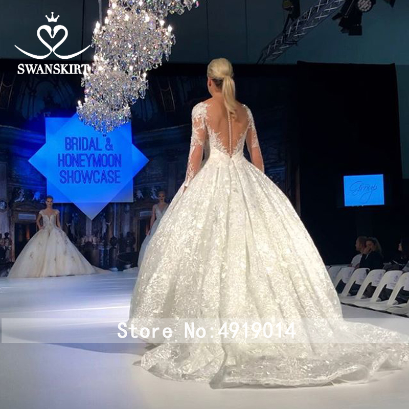 Image 2 - Luxury Long Sleeve Wedding Dress 2019 Swanskirt Sweetheart Appliques Tulle Ball Gown Princess Bridal Gown Robe De Mariage U144-in Wedding Dresses from Weddings & Events