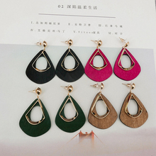 2019 Womens Fashion Manifesto Earrings Contrast Color Wood Wedding Party Christmas Gift Jewelry