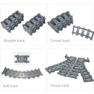 Stadt Zug Flexible Tracks trein Bergauf schiene Gerade & Gebogene Schienen Sets Kompatibel mit lego Baustein Ziegel Modell