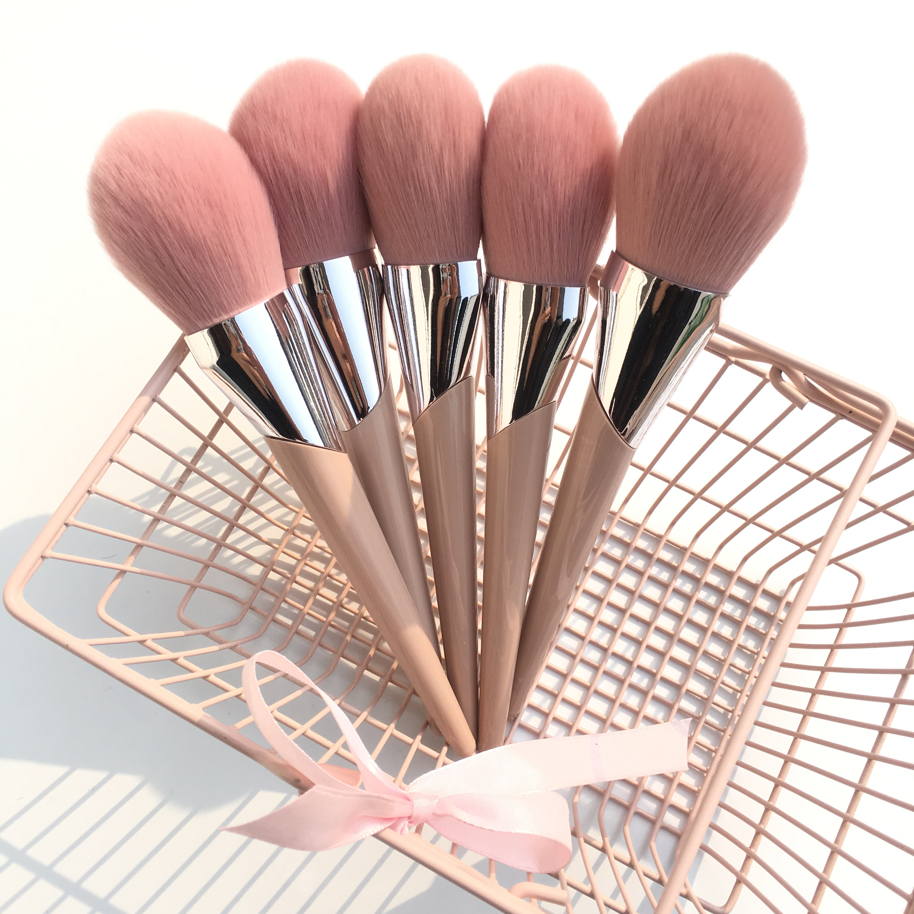 Image 5 - BBL Pink Premium Makeup Brushes Loose Powder Buffing Sculpting Blush Tapered Blending Highlighter Eyeshadow Brush Make Up Tools-in Eye Shadow Applicator from Beauty & Health