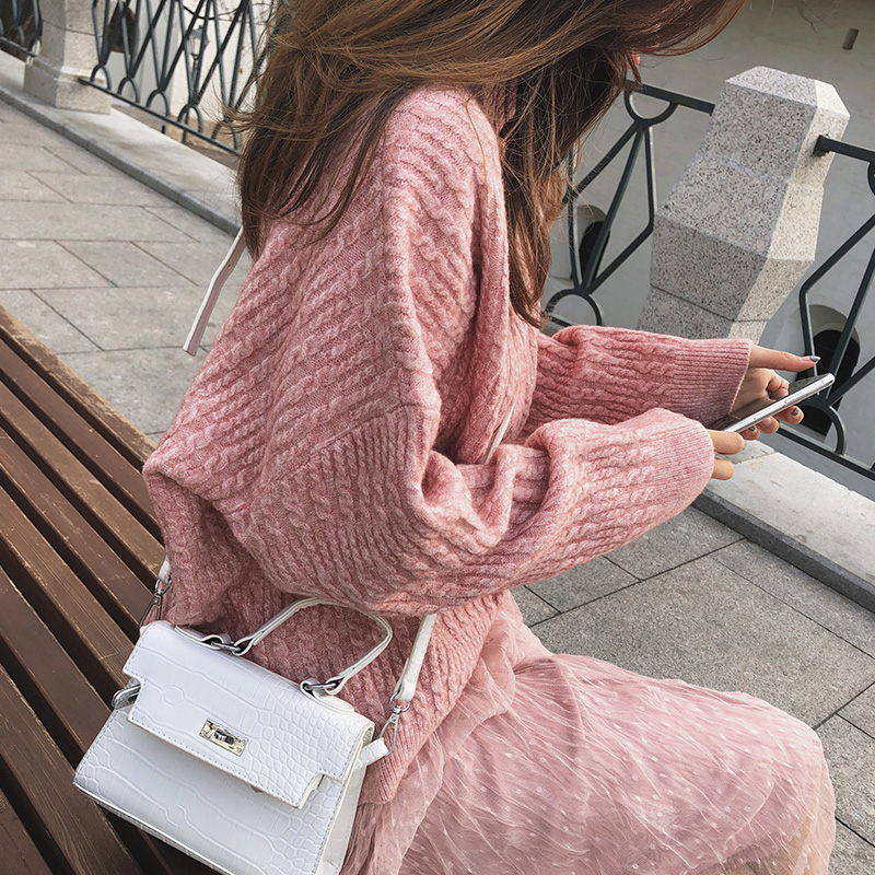 Mishow 2019 Winter New Sweater Coat Female Loose Hooded High Collar Bottoming Thicken Sweater MX18D5538