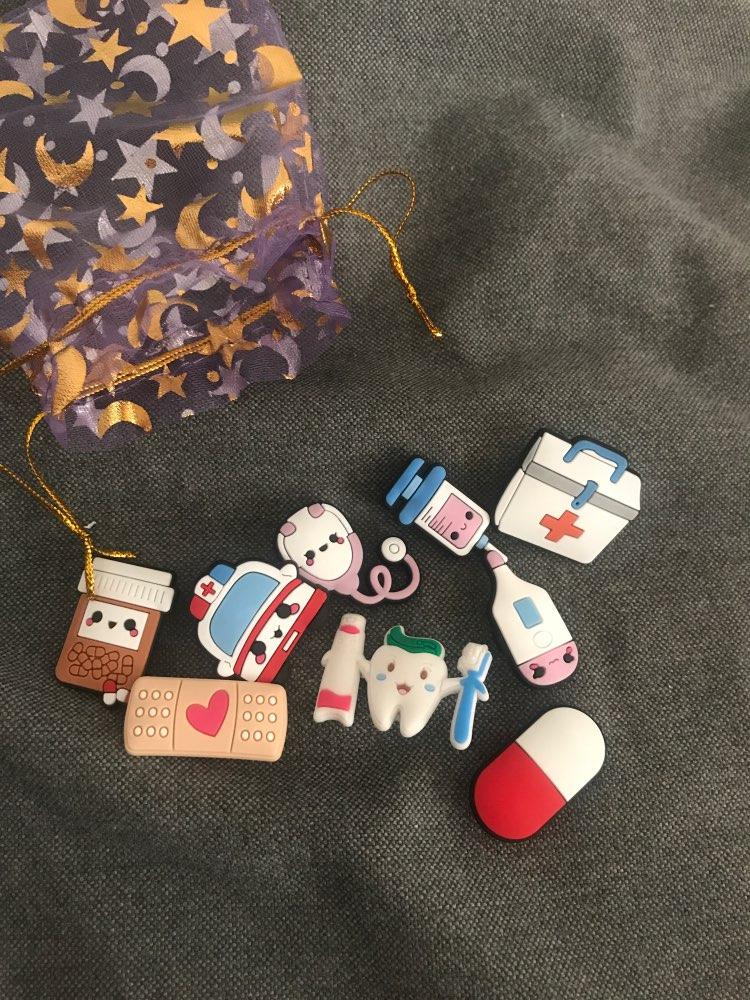 50pcs Medical USD Shoe Charms+1pcs 18cm Bracelets Nurses Doctors Christmas Gifts