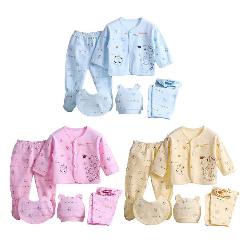 A Casual Clothing Set with 5pcs Allowing You to Create Many Different Outfits W